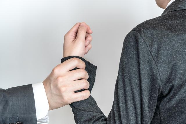 転職エージェントにごり押しされたらどうすればいいのか