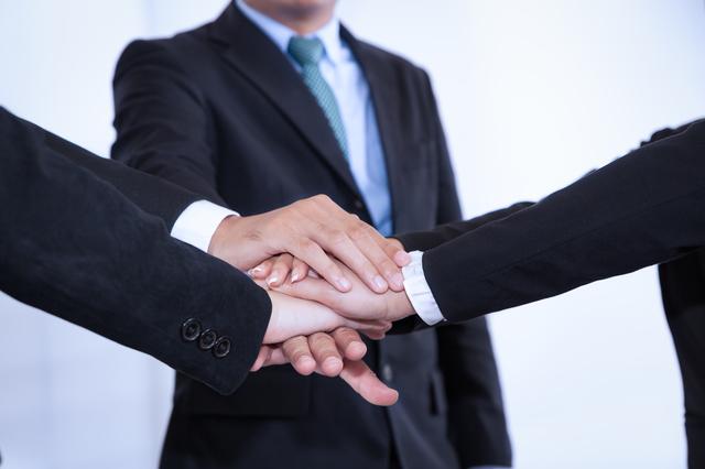 日本も将来こうなる?日本とアメリカの転職事情と転職エージェントを使う人の割合を比較