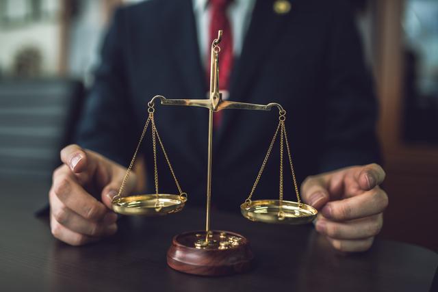 法務に転職したい?仕事内容・年収・適性・おすすめ資格